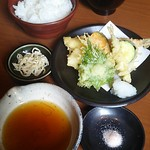 Shubouuoman - うおまん御膳 2,380円 (税込 2,570円) 2018年12月