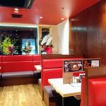 ステーキ食堂 正義 - ボックス席(*'ω'ノノ゙☆パチパチ