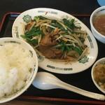 日高屋 - ニラレバ定食