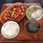 ビガラード - 豚のソテー赤ワインバターソースランチ900円