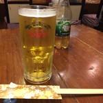 山活 - ドリンク写真:誰も飲まねぇよ… カッキーン!カンパチ! 一人小さく呟いてみる… けどもよ、ひと口飲んで新鮮とわかるビールだった
