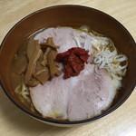 赤湯ラーメン 龍上海 - スーパーで購入したチャーシュー、メンマ、葱を加えて完成!('18/12/09)