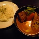 98174546 - トロトロ角煮カレー 1,100円