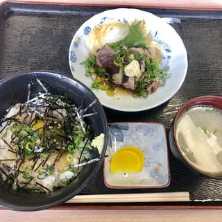 愛南 市場食堂 - 料理写真:鯛めしと鰹のタタキ定食