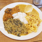Venu's South Indian Dining - ランチビュッフェ(1000円) この日はチキンビリヤニ、エッグチリカリー、ナスのコランブ、パラククートゥ