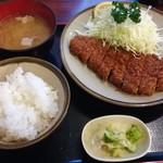丸和 - とんかつ定食(1200円)