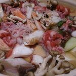 鮨・椿油天ぷら  八木 - 寄せ鍋