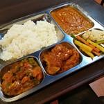 アジアンキッチンアロヒ - これがネパールの国民食ダルバートです(^o^)/
