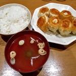 第7ギョーザの店 - 焼餃子定食(中)