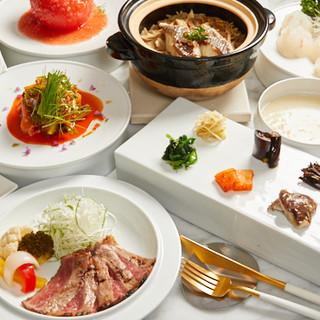 旬食材をふんだんに使った、四季折々の一皿をご堪能ください