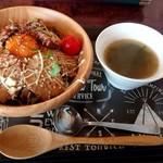 キッチン&カフェ ソライロ - 料理写真:マヨたま炙りチャーシュー丼