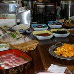 いっしん太助 - 大津市公設市場内の食堂です
