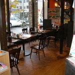 Cafe de Muche カフェ ド ムッシュ - モーニング・ランチ・ティータイム店内