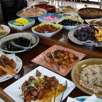 いっしん太助 - バイキングは手作りのお惣菜や市場ならではの食材がたっぷり並んでます