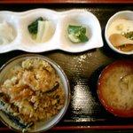 天心樓 - 八ヶ岳天丼定食 980円