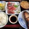 一力 - 料理写真:日替わり定食¥850…ぶりの照り焼き、刺し盛り