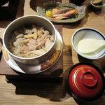 9821486 - 釜めし膳 (舞茸の釜めし)