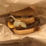 ファーストキッチン - 料理写真:クワトロチーズチーズオニオンバーガー。 美味し。