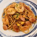 Cafe レスト 花×華 - 厚切りベーコンと海老のナポリタン