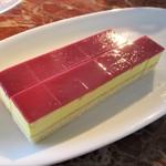 東天紅 - 安納芋のケーキ。     2018.12.09
