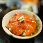 金田中 庵 - 東丼(まぐろ漬け丼)