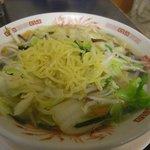 日高屋 - タンメンの麺は中細ストレート