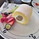 98253142 - 和栗のロールケーキ