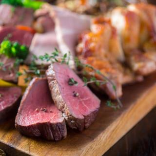 産地直送の新鮮お肉料理いろいろあります!