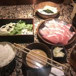 しゃぶ亭 - 豚しゃぶ定食シングル(885円)