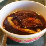 マカン マカン - 料理写真:肉骨茶(小皿に取り分け後)