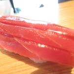 Sushidokorotouge - 1日8食限定・店主のこだわりランチ 1800円(税込)の握り・本鮪赤身のアップ【2018年12月】
