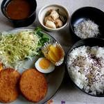 エンヂェル - 料理写真:コーンコロッケ定食(750円)