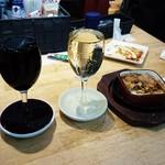 ビーフキッチンスタンド - こぼれワイン赤・白  390円