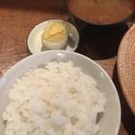 98277096 - ご飯(180円)となめこ汁(180円)