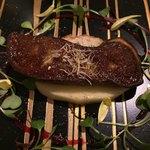 レストラン ヒロミチ - 温前菜:フォアグラとリンゴ  フランボワーズソース