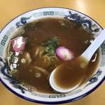 中華そば 駒鳥 - かつおダシのマイルドスープ!