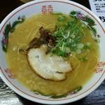 西新亭 - ラーメン(カタメ)400円也。