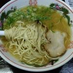 西新亭 - ラーメンのカタ麺。