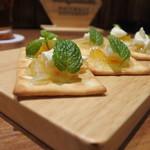 ChaoVia - クリームチーズとマーマレードのカナッペ  ¥380美味しい♡