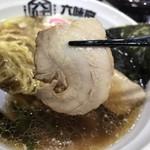 中華そば担々麺 六味亭 - チャーシューは2枚