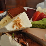 フランス菓子 オペラ座 - シフォンに抹茶ショート・・・・・