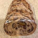 パン家のどん助 - ドライフルーツとナッツのライ麦パン