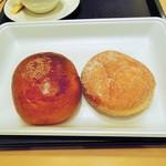 阪急ベーカリー香房 - 料理写真:餡パンと餡ドーナツ