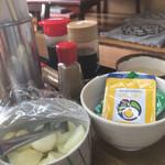 富士岡 - ふりかけや漬物、味付け海苔も完備!食べ放題!(笑)
