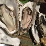 七番蔵 - 生牡蠣は順番が違うように思うけど食べたい人がいるんだったらどうぞ