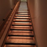 小割烹 おはし - 素敵な階段を上って2階へ