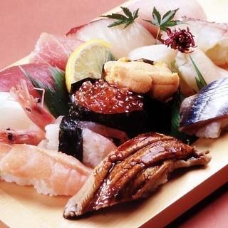うまくて安いが市場寿司の原点!