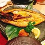 生け簀の甲羅 - トロ鯖
