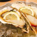生け簀の甲羅 - 生牡蠣