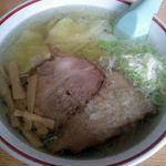 愛楽亭 - 料理写真:塩ワンタン麺(800円)